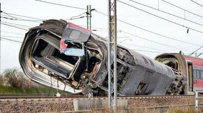 Treno deragliato, gli operai che lavorarono sui binari prima dell'impatto si difendono