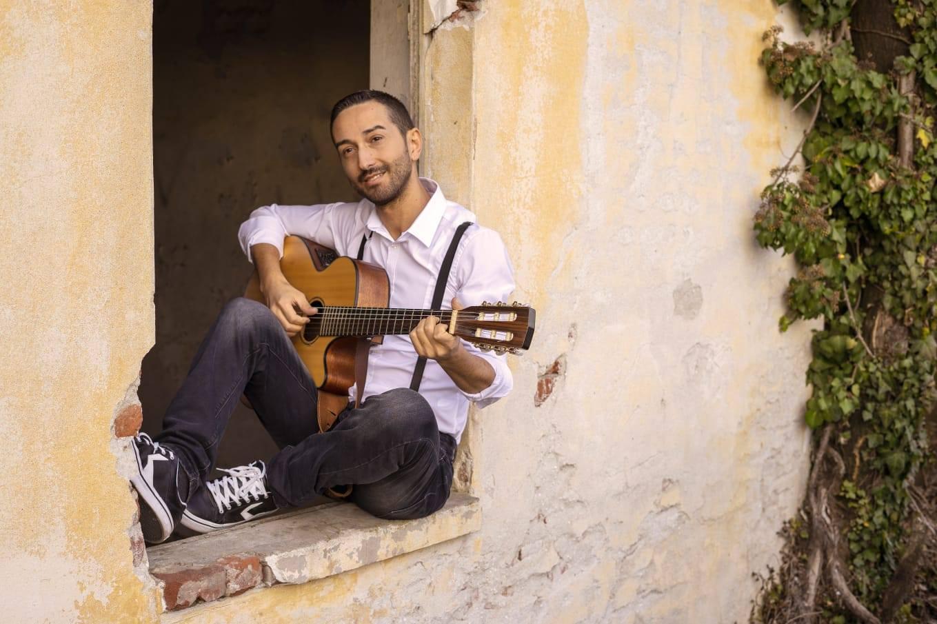 Il cantautore reggino Michelangelo Giordano torna a Sanremo con tre live