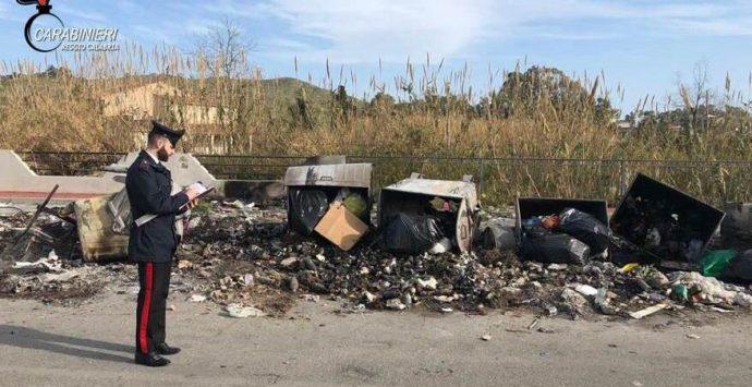 Piromane sorpreso a bruciare rifiuti. Denunciato dai carabinieri