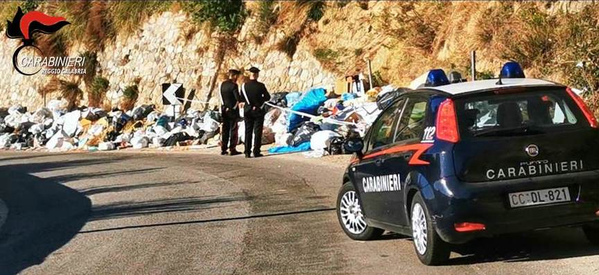 Rifiuti e guida al cellulare, sanzioni per oltre 10mila euro
