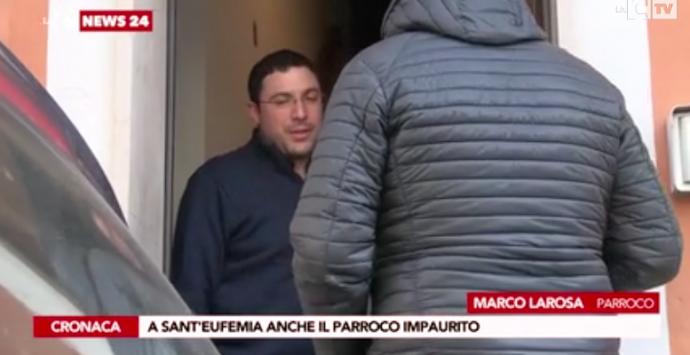 'Ndrangheta, dopo l'operazione antimafia anche il prete sta zitto: «Sono super partes»