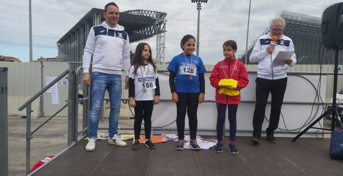 Atletica leggera, cinque medaglie per i piccoli atleti cauloniesi