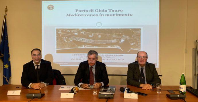 Gioia Tauro, il porto guarda al futuro: via libera all'ingresso delle navi ultra-large