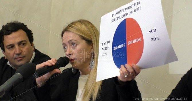 Fdi, Giorgia Meloni vuol commissariare tutto. E anche il capogruppo va a Catanzaro
