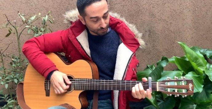 Coronavirus, dalla Lombardia il canto di speranza del cantore reggino Michelangelo Giordano