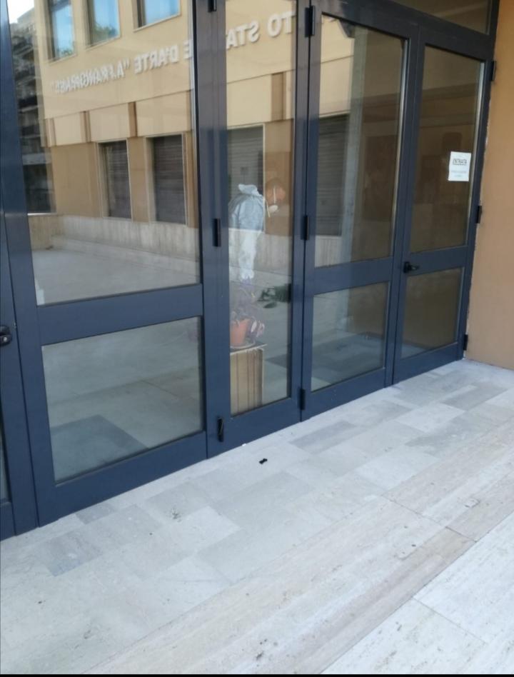 """Coronavirus a Reggio Calabria, lavori di sanificazione al liceo artistico """"Preti Frangipane"""""""