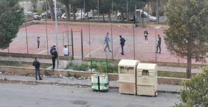 Coronavirus a Reggio Calabria, giovani sorpresi a giocare a calcio in violazione delle restrizioni