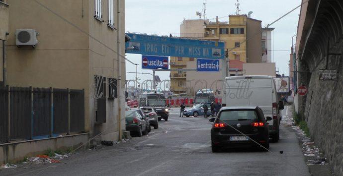 Coronavirus a Reggio Calabria, ancora tensione a Villa San Giovanni: notte al freddo per molti. A Messina solo per gravi motivi