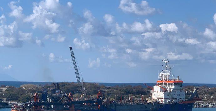 Porto di Gioia Tauro, manutenzione dei fondali in corso