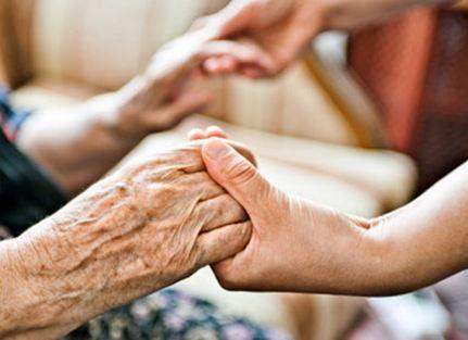 Coronavirus, a Caulonia i carabinieri a sostegno degli anziani in difficoltà