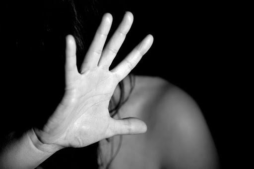 Coronavirus e violenze di genere: donne che restano tra le mura domestiche con gli aguzzini