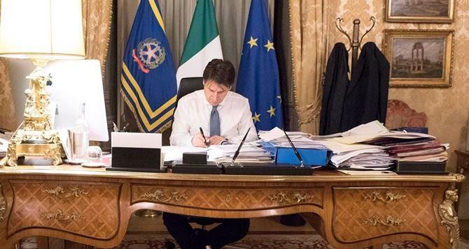 Riaperture, il premier Conte ha firmato il decreto