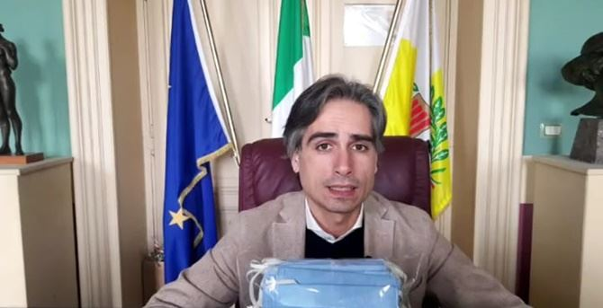 Coronavirus a Reggio Calabria, Falcomatà: «Da venerdì chiudo piazze e strade»