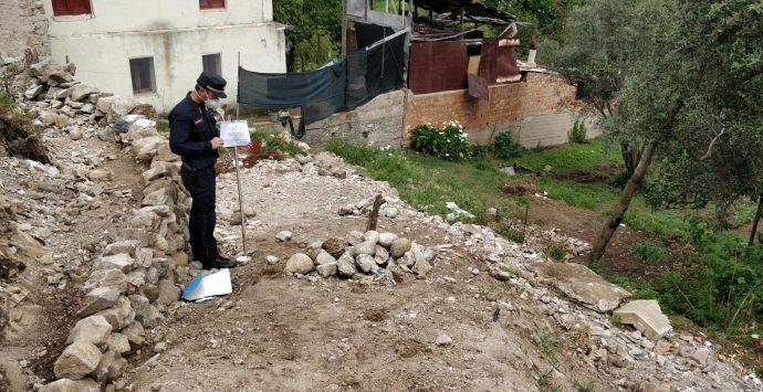 Discarica di rifiuti speciali usata per costruire una rampa. Una persona denunciata