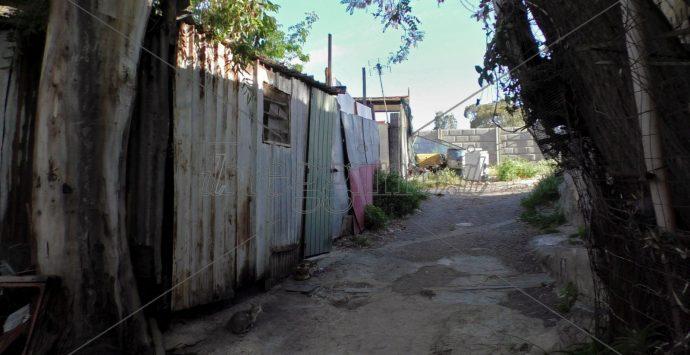 Coronavirus a Reggio Calabria,  Alessandro: «Noi, dimenticati nelle baracche dell'Ex Polveriera»