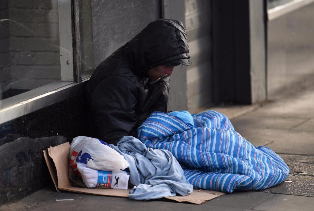 """Una doccia per i senzatetto. Da domani apre il """"Palloncino"""""""