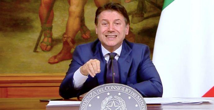 Dpcm 25 ottobre 2020, ristoranti chiusi alle 18: c'è la firma di Conte. Cosa cambierà