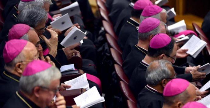 Coronavirus, i vescovi contro Conte: «Niente messe col popolo, compromessa libertà di culto»