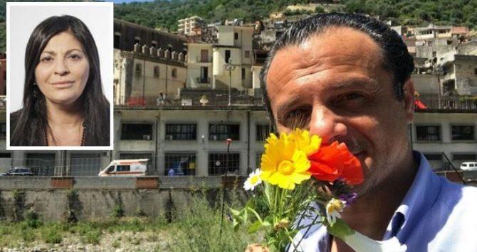 """Cuori divisi dallo Stretto: De Luca propone a Santelli il """"passaporto degli innamorati"""""""