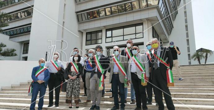 Emergenza rifiuti, mezzo flop per la protesta dei sindaci voluta da Falcomatà