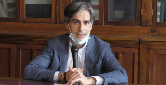 Rifiuti a Reggio Calabria, Falcomatà: «Non sarò in piazza, ma sostengo Libera»