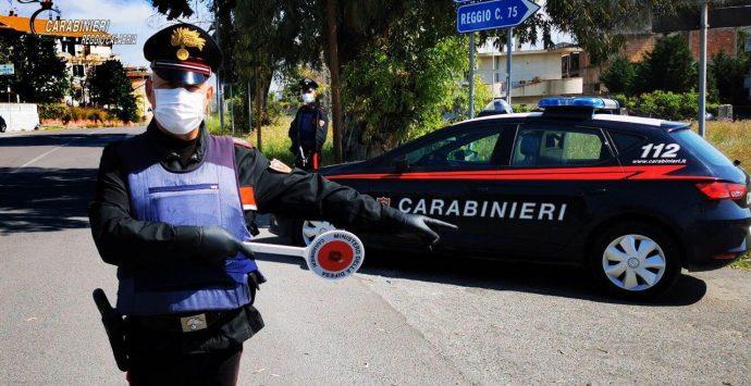 Forza un posto di blocco tra Bovalino e Bianco, arrestato