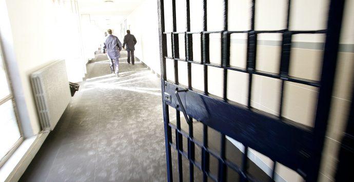 Palmi, detenuto aggredisce poliziotto. La condanna del sindacato