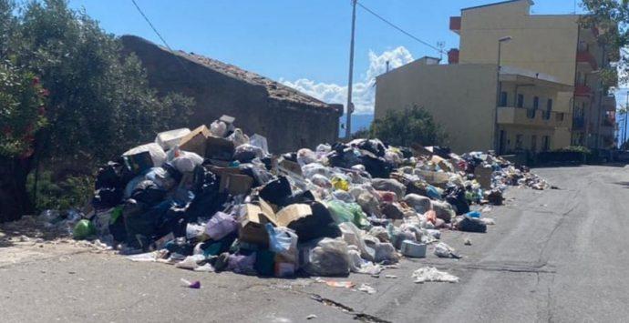 Emergenza rifiuti, l'ordinanza del sindaco: ecoballe e stoccaggio provvisorio a Sambatello