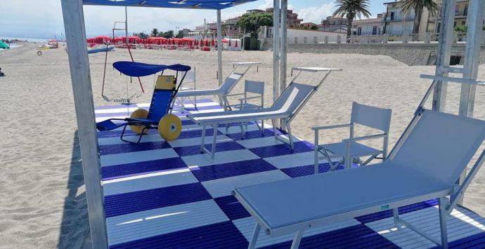 Roccella Jonica, Crea: «Spiaggia libera e attrezzata per i disabili»