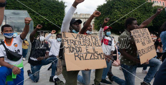 """Reggio dice """"no"""" al razzismo. In piazza perchè non ci sia più nessun George Floyd"""