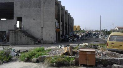 Melito Porto Salvo, otto famiglie nelle baracche vicino alla discarica