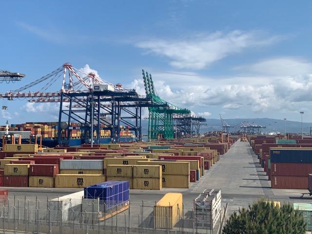 Porto di Gioia Tauro, scarsa partecipazione alla campagna di screening anti-Covid