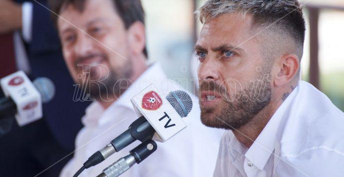 Reggina, presentazione al Granillo per Ménéz: «Sono qui per vincere ed andare in serie A»