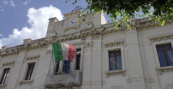 """Bitumazione strade a Reggio, il movimento """"Impegno e identità"""": «Si guardi alle periferie»"""