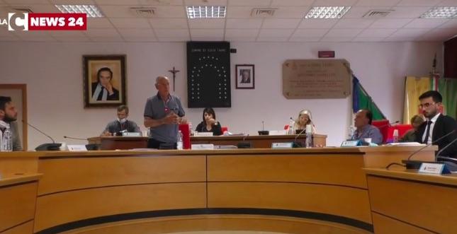 Paralisi a Gioia Tauro dopo l'inchiesta Waterfront, il sindaco va al Ministero