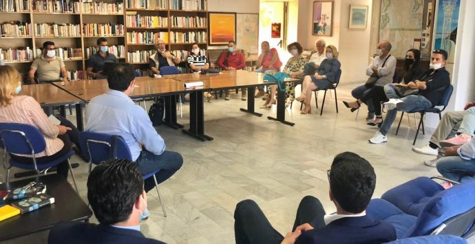 Locride, proseguono gli incontri tra sindaci e operatori turistici per rilanciare i borghi