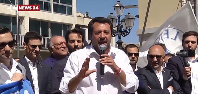 Salvini insiste: «Modello Genova in tutta Italia». Verso l'ok a Minicuci