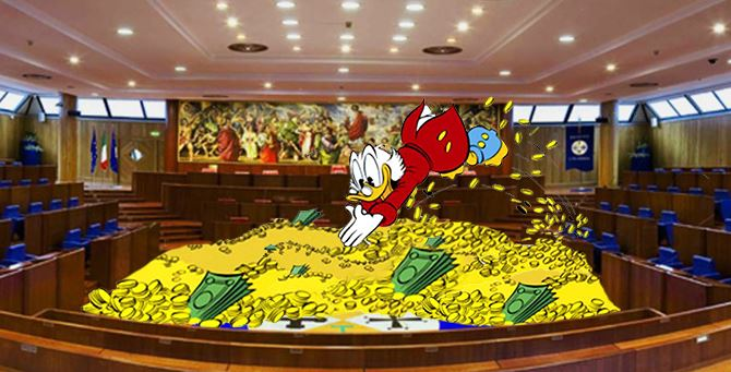 Chi entra in Consiglio regionale trova un tesoro. Stipendi d'oro per chi viene eletto in Calabria