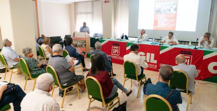 Moti di Reggio Calabria, la Cgil in riva allo Stretto. Landini: «I lavoratori sempre in prima linea»