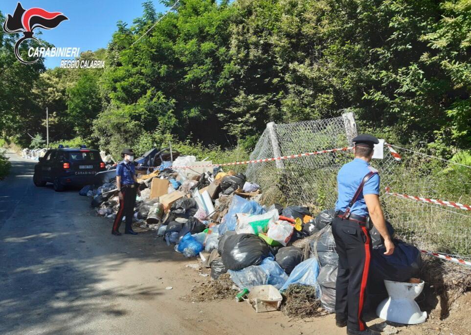 Scilla, i carabinieri sequestrano tre discariche non autorizzate