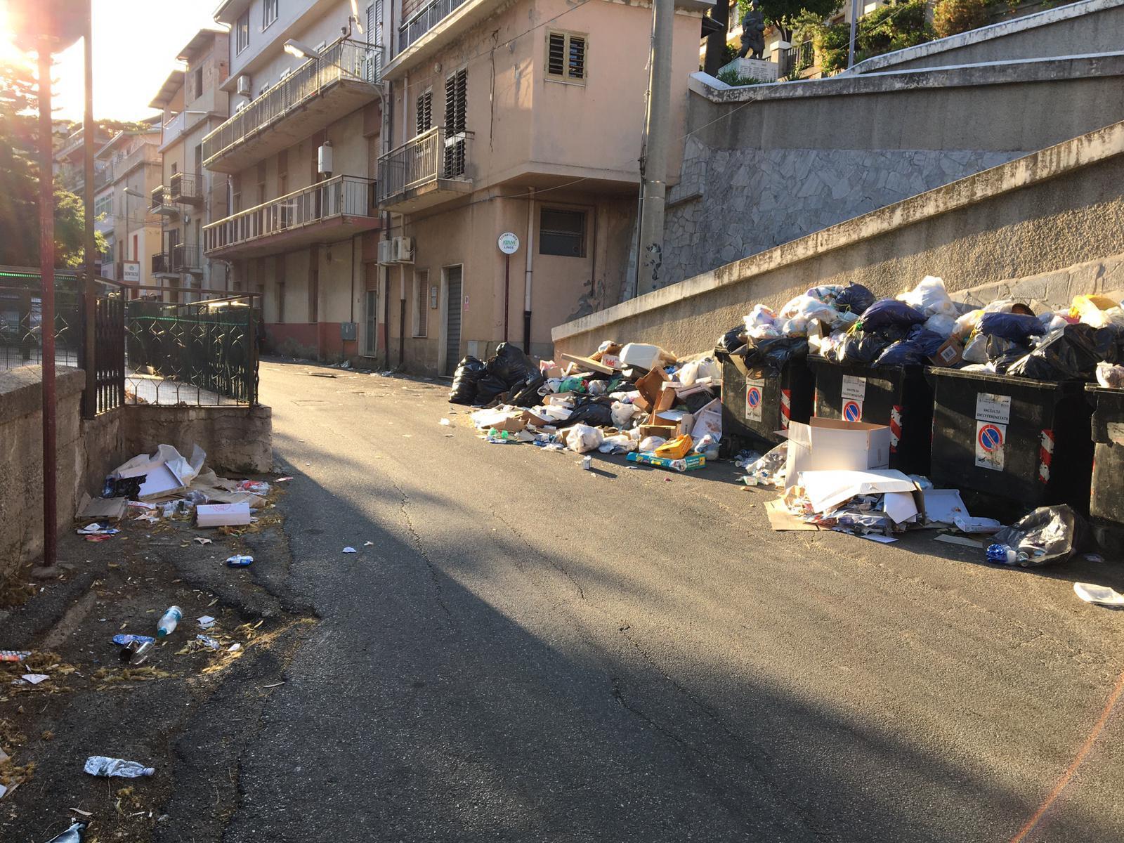 Emergenza rifiuti a Mosorrofa, Sorgonà: «Ora basta. Si ascolti nostra proposta»
