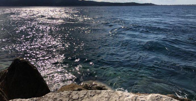 Villa San Giovanni, il senatore Siclari soccorre due giovani che rischiano di annegare