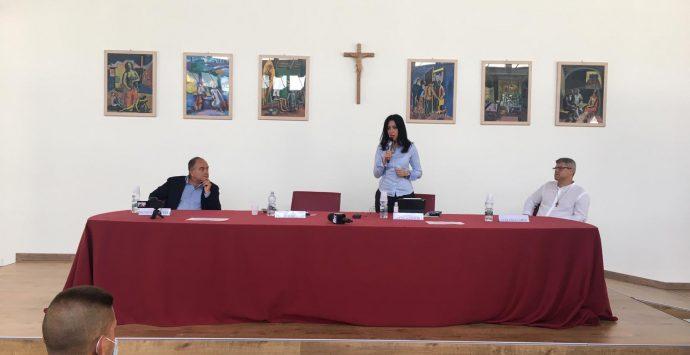 Locri, campi estivi in beni confiscati. Il ministro Lucia Azzolina: «Lo Stato c'è»