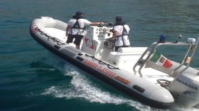 Mare sicuro, dalla Guardia Costiera un battello pneumatico per la spiaggia di Monasterace