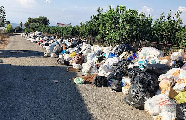 Emergenza rifiuti a Reggio, il comitato Ciccarello: «Ma i militari dove sono?»