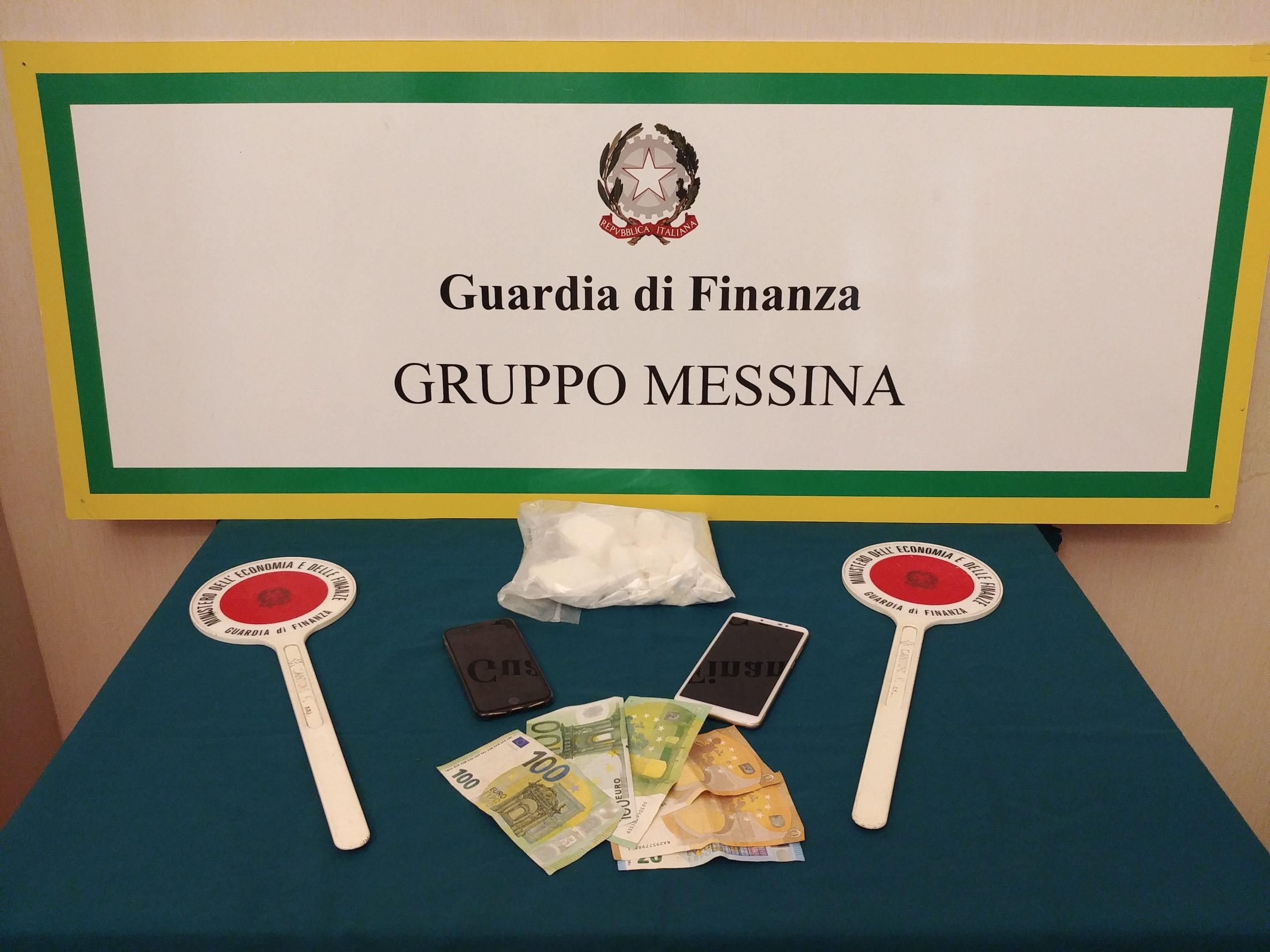 Trasportava la cocaina in Sicilia, arrestato 20enne di Melito Porto Salvo