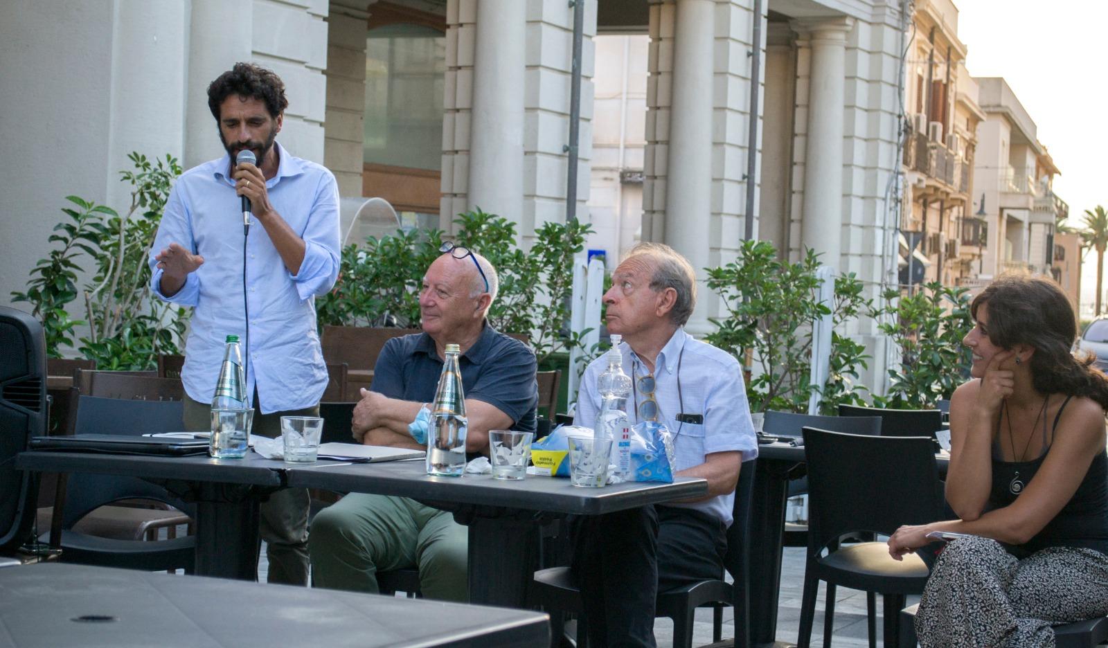 Corto Muccino, La Strada e Riabitare Reggio: «Siamo alla frutta»