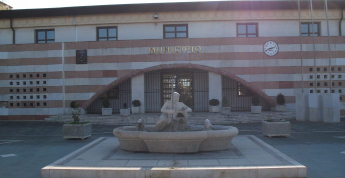 Coronavirus, il sindaco di San Ferdinando: «Due concittadini in quarantena dopo Soverato»