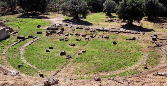 Portigliola, l'alba di Ferragosto al teatro greco-romano