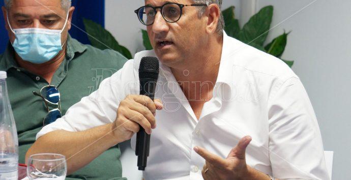 Coronavirus Locri, stoccata di Sainato a Calabrese: «Basta raccontare cose false ai cittadini»